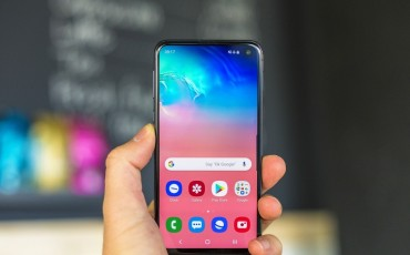 Samsung Galaxy S10e Review: Flagship Killer of 2019