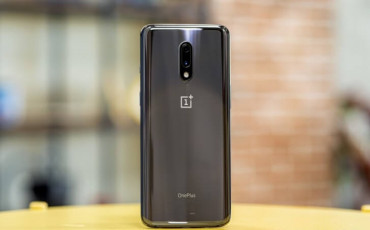 OnePlus 7 Review | The True Flagship Killer | Is it worth?