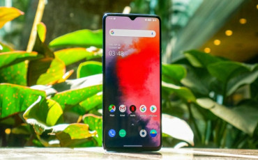 OnePlus 7T Launched: Circular Camera Housing, Snapdragon 855+, 30W Warp Charging and More